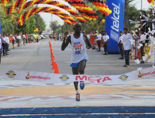 Kenianos se llevan la carrera 10 K SIMSA nesim issa tafich